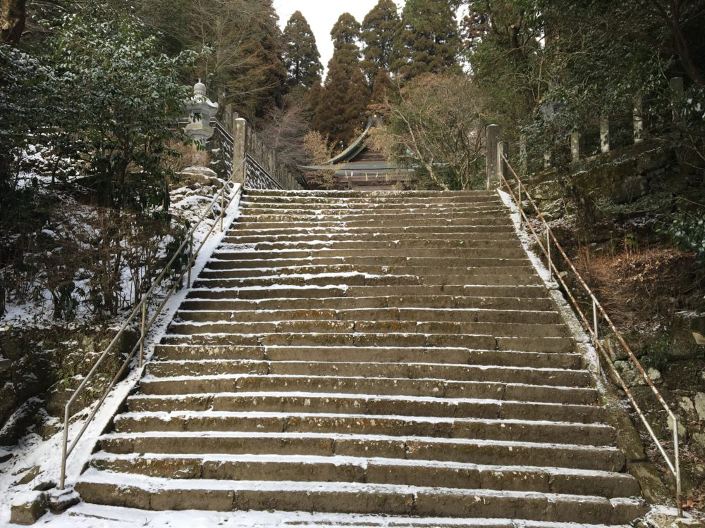 国造神社の階段