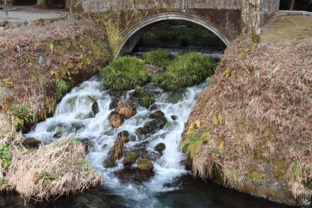 池山水源一つ目の橋の下